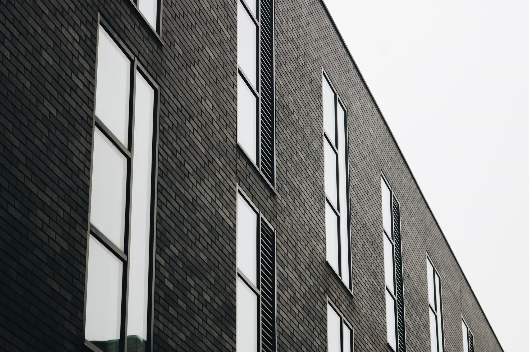Grey-Brick-lg